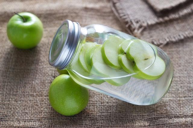Вода с яблоками-детокс-программа