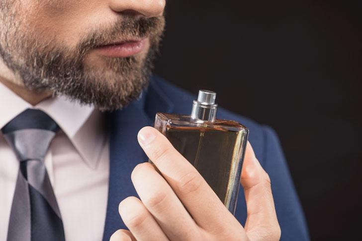 Выбираем аромат для лета: обзор популярных парфюмов