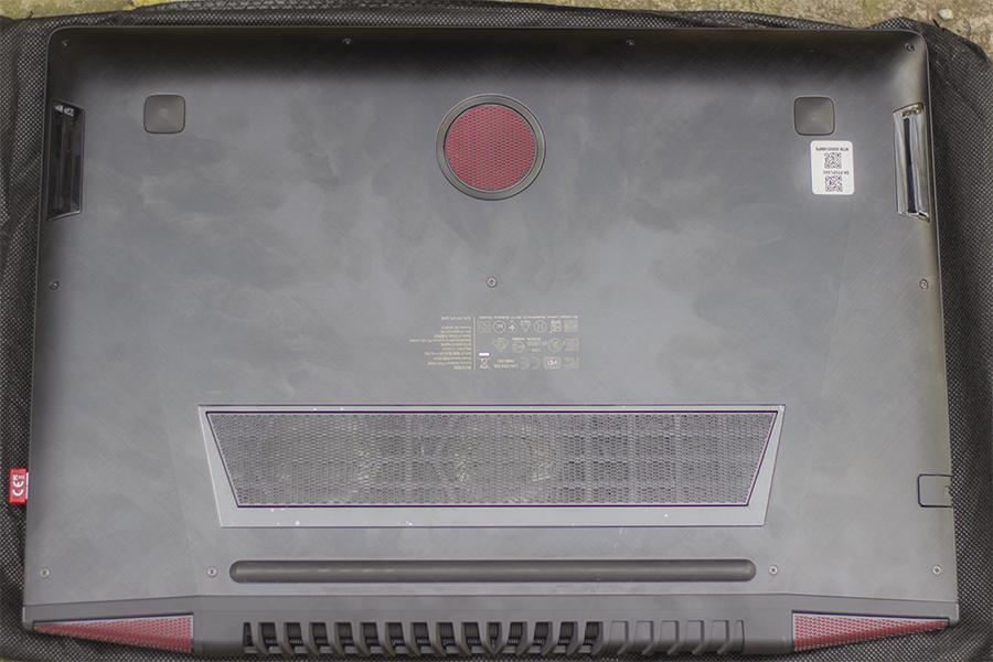 Задняя панель ноутбука Lenovo Y700